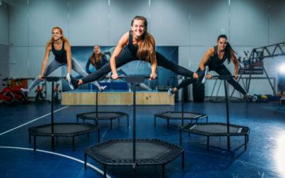 Fit werden, Spaß haben, Stressabbau mit Jumping Fitness!